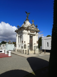 Fancy tombs in Cementerio Municipal